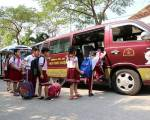 Bộ GD-ĐT yêu cầu siết chặt dịch vụ đưa đón học sinh bằng xe ô tô