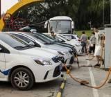 Trung Quốc trước nguy cơ vỡ bong bóng xe hơi chạy điện