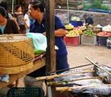 Luang Prabang, buổi mai vui đi chợ sớm