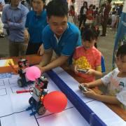 Ảnh: Những thiên thần nhỏ thích thú với Ngày hội STEM