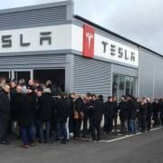 Tesla Motors tạo ra 'cơn sốt' với hơn 250.000 đơn đặt hàng trong 36 giờ