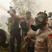 Singapore truy tố các công ty Indonesia gây ô nhiễm môi trường