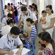 Bệnh viện công tự chủ, bệnh nhân nghèo khốn đốn
