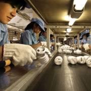 HSBC: VN sẽ chịu thiệt từ chính sách thương mại hạn chế của Mỹ