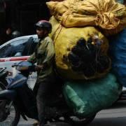 ADB: Việt Nam đối mặt rủi ro tụt hậu lớn