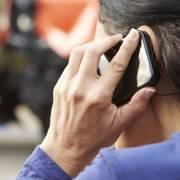 Lạm dụng điện thoại di động dễ bị hội chứng ống cổ tay