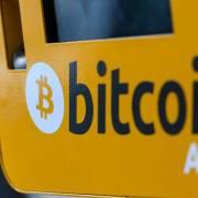 Bitcoin giảm giá mạnh, sàn giao dịch đóng cửa