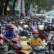 Giải bài toán kẹt xe: nên thêm xe máy điện hay xe đạp?