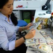 Giá USD ngân hàng lập đỉnh mới: 23.018 đồng/USD