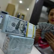 Giá USD ngân hàng vọt lên 22.990 đồng