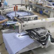 Hãng may mặc Hong Kong dùng robot để vượt rào thuế quan của Mỹ