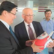 Chuyên gia hàng đầu thế giới về công nghệ nano dự hội nghị của Saigon Hi-Tech Park