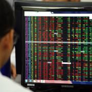 Cổ phiếu bị bán tháo, VN-Index mất gần 40 điểm