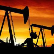 Giá dầu giảm gần 11% trong tháng 10