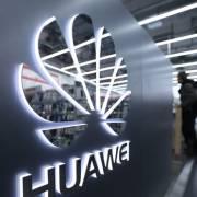 Nhà Trắng sắp ra sắc lệnh cấm công ty Mỹ mua thiết bị của Huawei và ZTE