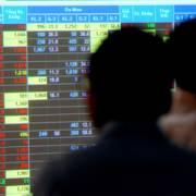 VN-Index giảm hơn 22 điểm, xuống dưới mốc 890