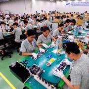 Đóng cửa nhà máy ở Trung Quốc, Samsung sẽ chọn Việt Nam hay Ấn Độ?
