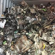 Lúng túng với hơn 20.000 container phế liệu tồn tại các cảng