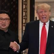 Ông Trump thông báo sẽ gặp ông Kim Jong-un tại Hà Nội