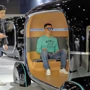 Kiệt lực, giới thiên niên kỷ bỏ Samsung, mở YouTube