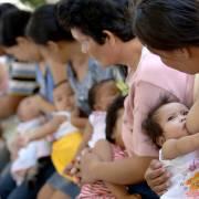 Sữa mẹ giúp trẻ giảm 25% nguy cơ béo phì