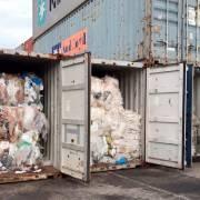 Campuchia gửi trả 1.600 tấn rác thải nhựa về Mỹ và Canada