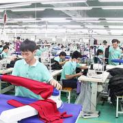 Phong Phú sẽ sản xuất hàng cho Zara, H&M, Levis tại Việt Nam