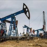 Giá dầu thế giới đồng loạt giảm hơn 3%