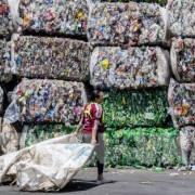 Tập đoàn hóa chất Thái Lan sẽ chi 1,5 tỷ USD vào tái chế chai nhựa