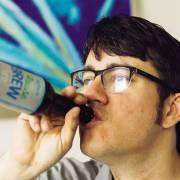 Thử bia làm từ nước thải tái chế