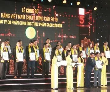 Trao chứng nhận danh hiệu hàng Việt Nam chất lượng cao cho 542 doanh nghiệp
