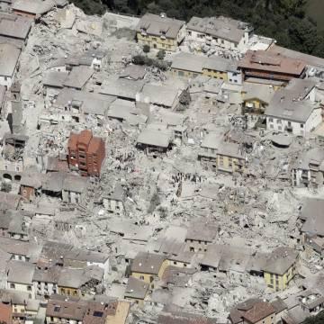 Động đất ở Ý, 247 người chết