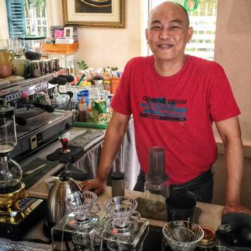 Ông chủ Golden Mountain Coffee & Tea: 'Nặng nghiệp chỉ bởi vì yêu'