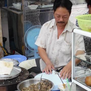 Sài Gòn bánh cuốn nóng 15K