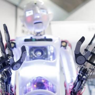 Hầu hết công chức có thể thay bằng robot