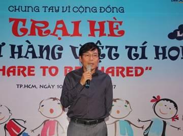 Quyên góp gần 1 tỷ đồng cho 100 trại sinh Trại hè hàng Việt tý hon 2017