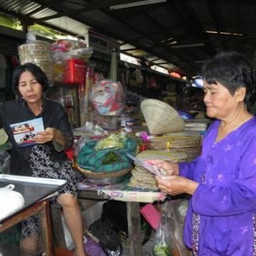 Hội chợ HVNCLC Bình Định: Đưa thông tin hội chợ đến từng người, từng nhà