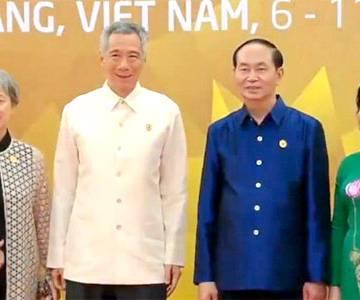 Trang phục APEC 2017 may từ lụa tơ tằm 100% thiên nhiên