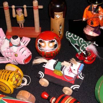 Viết theo yêu cầu bạn đọc: nhập đồ chơi vào Nhật