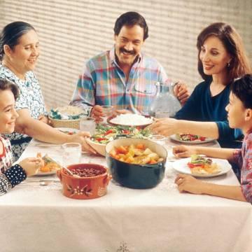 Để bữa ăn gia đình thêm ấm cúng