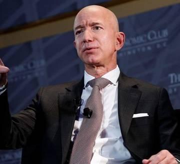 CEO Amazon Jeff Bezos: Một ngày tôi ngủ 8 tiếng và luôn ăn sáng với các con