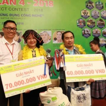 'Gà nướng Chẩm chéo' và 'Du lịch C2T' đoạt giải nhất Dự án khởi nghiệp 2018