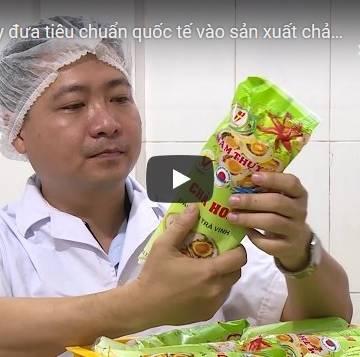 [Video]: Năm Thụy áp tiêu chuẩn quốc tế nâng tầm chả hoa truyền thống