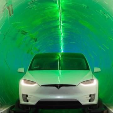 Tỷ phú Elon Musk thử nghiệm đường hầm xuyên thành phố
