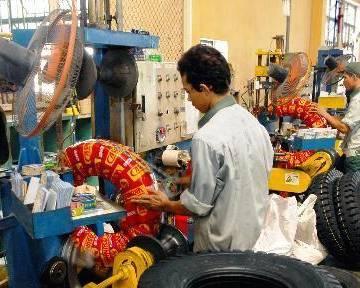 ILO: 40% thanh niên Việt Nam có việc qua bạn bè giới thiệu