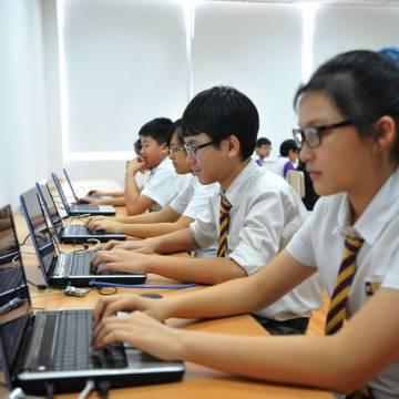 Giúp người trẻ bình tâm trên mạng xã hội