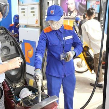 Việt Nam giảm mạnh nhập khẩu xăng dầu trong tháng 1
