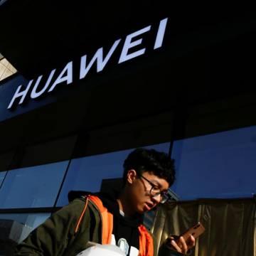 Nhiều cửa hàng điện tử ở Singapore từ chối mua lại smartphone Huawei