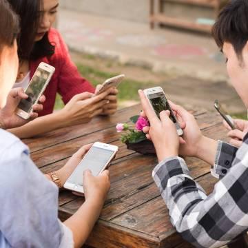 Smartphone để học và chơi