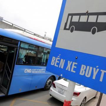 Khách đi xe buýt tại TP.HCM giảm đều